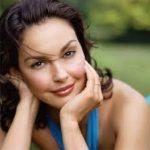 Profile picture of Lara Simos